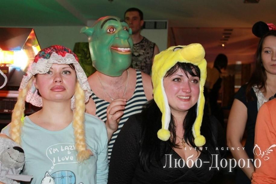 Пижамная вечеринка компании «Монако»