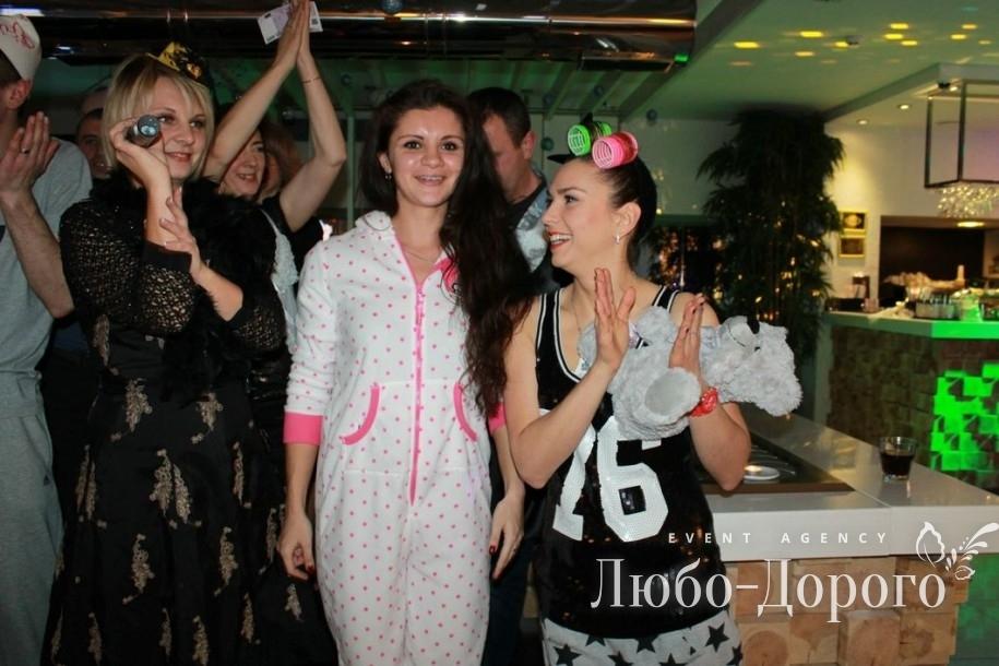Пижамная вечеринка компании «Монако» - фото 1>
