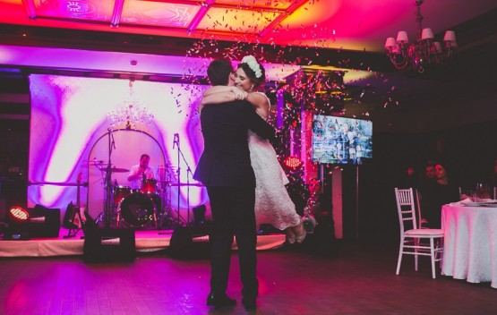 Захватывающий момент на свадьбе
