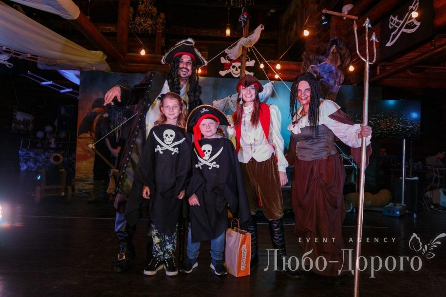 День рождения в пиратском стиле - фото 14>